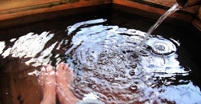 足湯で冷え知らずに、難病や慢性病も改善